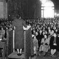 Archivio fotografico UDI Bologna_Iniziativa per la settimana della pace presso la Sala Farnese,  1957