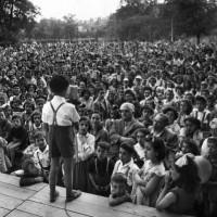Archivio fotografico UDI Bologna. Villaggio del bambino con la presenza di Giuseppe Dozza, 1950