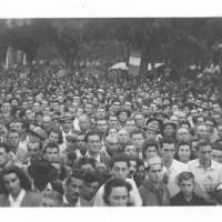 1948, la folla assiste al comizio di chiusura della terza edizione della festa provinciale modenese, parlò il deputato milanese Giuseppe Albergianti [ISMO, AFPCMO]