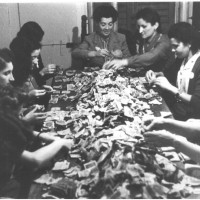 La conta dei soldi alla festa provinciale del 1949 [ISMO, AFPCMO]