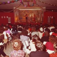 Primi anni '80. Torre Pedrera. Negli spazi della Casa del Popolo venivano organizzati spettacoli per bambini