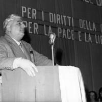 Archivio fotografico UDI Bologna_Iniziativa sull'emancipazione femminile promossa dall'UDI con Giuseppe Dozza, anni Sessanta