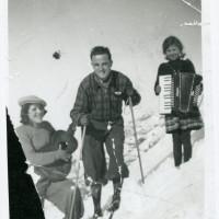 Loris Malaguzzi presso Sologno, 1940 circa