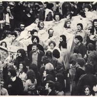 Un corteo del movimento studentesco a Bologna nel 1977