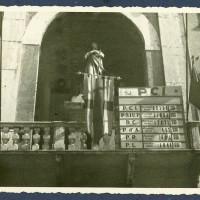 I risultati amministrative delle elezioni del 1946 esposti sul balcone del Municipio