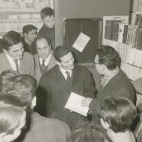 Pasolini incontra i lettori alla libreria Rinascita, 1961 [ISMO, APCMO]