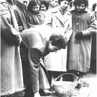 Berlinguer posa la prima pietra della Casa del giovane, 1955 [ISMO, AFPCMO]