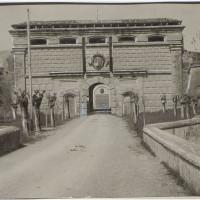 Il Forte Urbano, ingresso, nel 1936. [Biblioteca Civica d'arte e architettura Luigi Poletti, POS 9227]