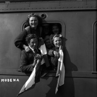 Partenza da Modena di braccianti per la Germania, 1944
