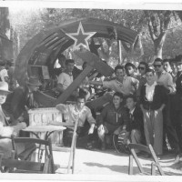 Uno stand della festa del 1948  [ISMO, AFPCMO]