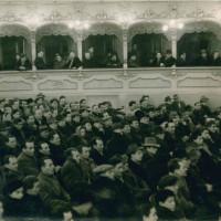 La prima iniziativa pubblica della federazione piacentina [Archivio fotografico Federazione del Pci di Piacenza, b. 1, Prima iniziativa pubblica della Federazione piacentina del Pci, anni '40, foto b/n]