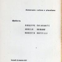 """Centro Gramsci, Ferrara, copertina della dispensa sul dibattito tra Giuseppe Chiarante, Angelo Romano e Roberto Ruffilli sulla """"Democrazie, cultura e pluralismo"""", tenutosi a Ferrara il 21 marzo 1977"""
