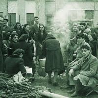 Un presidio alle Fonderie Riunite, durante uno sciopero, anni Cinquanta [ISMO, AFPCMO]